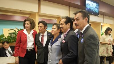 Así hacen campaña por Clinton los Tigres del Norte y los hispanos en Nevada