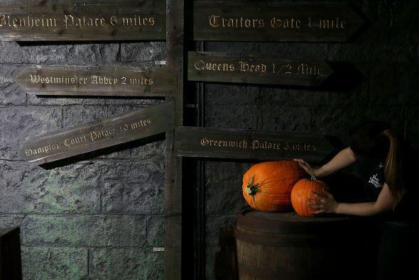 En el se recrean y muestran hechos históricos tétricos, por eso Hallowee...