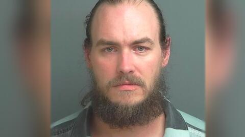 David Vincent Akins Jr., de 38 años, fue condenado a vida en pris...