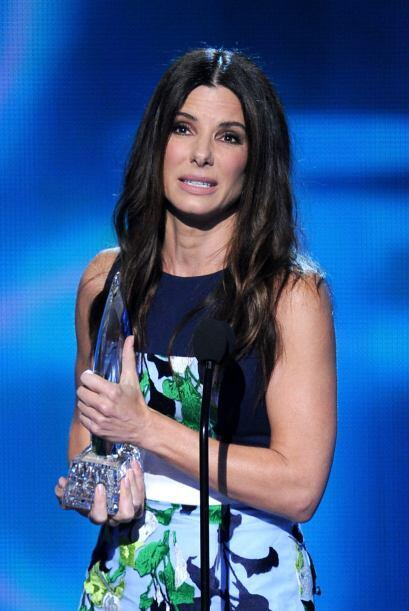 Sandra Bullock ganó por mejor actriz de cine y agradeció a su pequeño hi...
