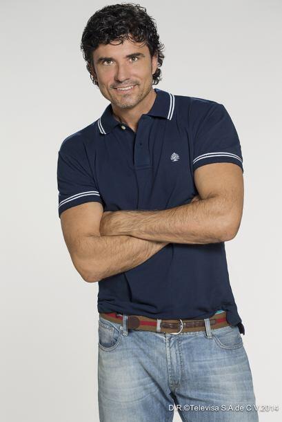 Madurito pero sexy, así describiríamos al galán Diego Olivera.