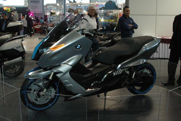 El Salón Internacional de la Motocicleta 2011 recibió a los fabricantes...