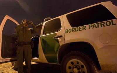 Una de las promesas de Trump es deportar de inmediato a dos millones de...