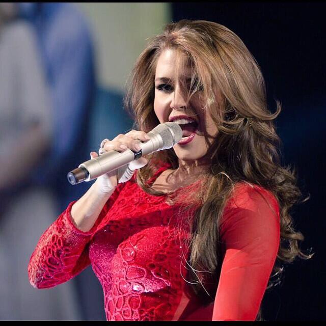 Alicia Machado cumple 21 años de ser reina de belleza 11111500_809393132...