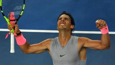 Nadal pasó a octavos de final en Australian Open en una sufrida jornada para los favoritos