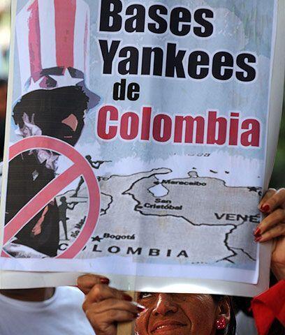 Polémico acuerdo militar Colombia-EUEl 30 de octubre, Colombia y...