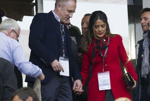 La pareja llegó al estadio llenos de expectativa por ver un buen partido...