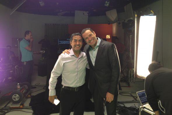 Alan Tacher voló de Miami a Monterrey para trabajar al lado de su...