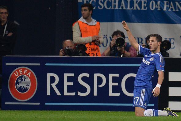 El belga Eden Hazard colocó el último gol del juego y Chelsea sacó la vi...