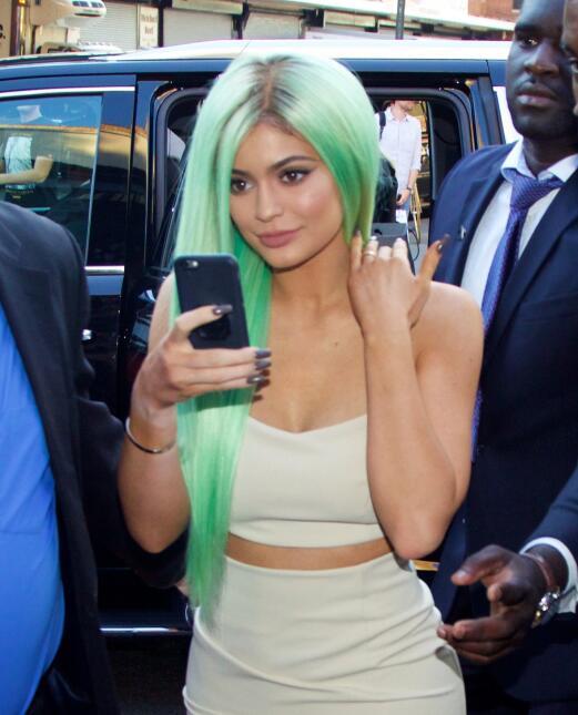 La menor del clan Kardashian con tinte verde en Manhattan.