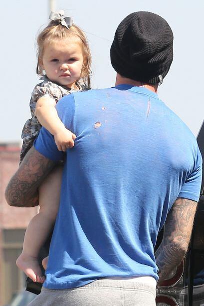 Pero poco a poco fue tomando los rasgos de su guapo papá.  Mira aquí los...