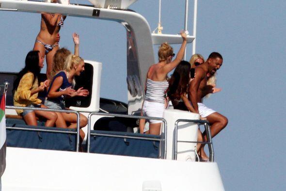 ¿Qué diría su esposa al ver que quería lanzarse del bote? Mira aquí los...