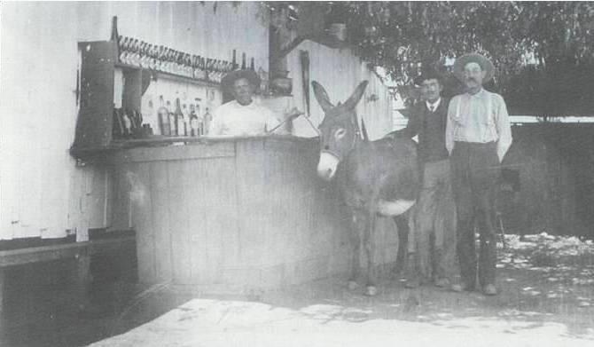 Foto de 1903, tal vez la más antigua del burro como atractivo de Tijuana.