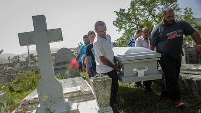 De 64 a 1,427: Puerto Rico reconoce 20 veces más muertos por el huracán María casi un año después