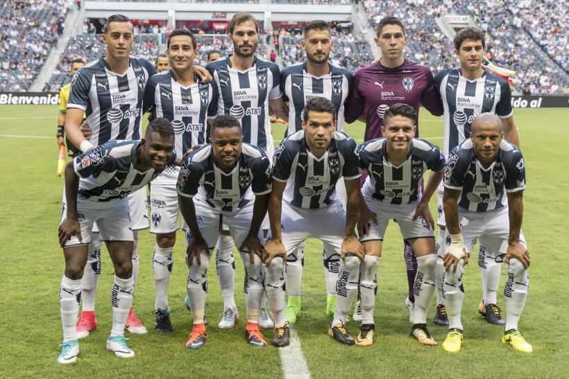 Monterrey aplastó al campeón Chivas y es líder general 20170812_3545.jpg