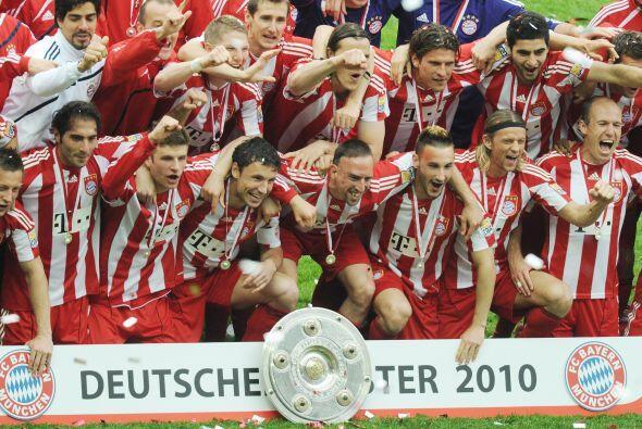 El Bayern Munich se levantó oficialmente como el Campeón de la Bundeslig...