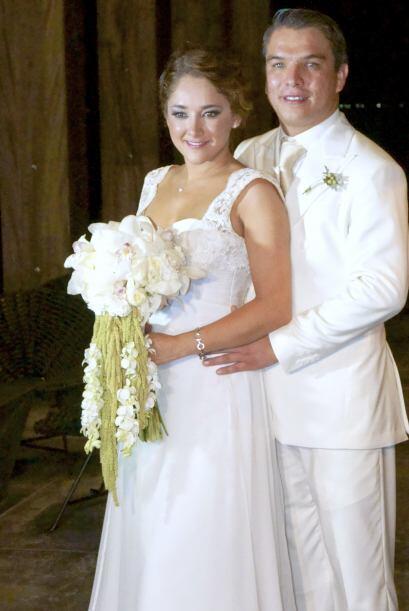 Hace poco se casó con  Gerardo Islas, ¡el amor de su vida!