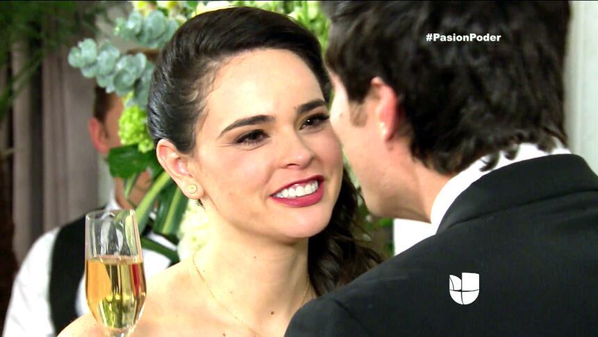 ¡Franco y Gaby son marido y mujer! 6C41318C1B1947578C886B6F12F2DE7D.jpg