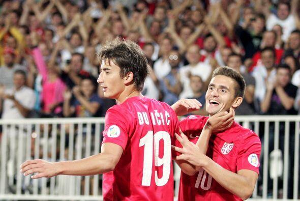 Medio, Dušan Tadić: Este jugador fue uno de los hombres importantes del...