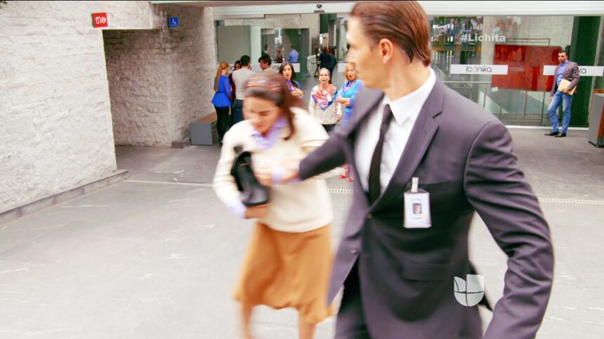 ¡Alicia tiene a Augusto en sus manos!
