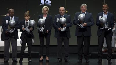 El Salón de la Fama celebra su octava investidura en una fiesta de leyendas del fútbol