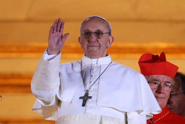 Jorge Mario Bergoglio, arzobispo de Buenos Aires, ha sido seleccionado e...