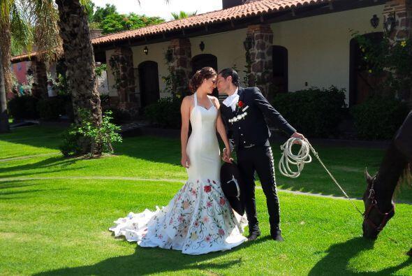 Al estilo de Jorge Negrete y María Félix, así posaron Ana Patricia y Lui...