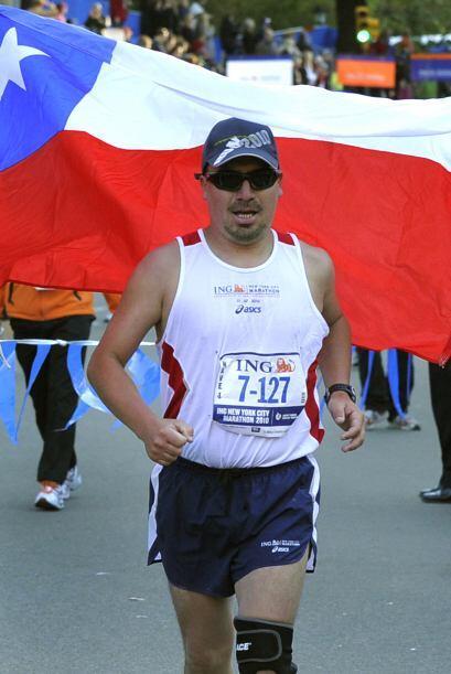 El chileno reconoció que en el kilómetro 28 (milla 18) se le cruzó por l...
