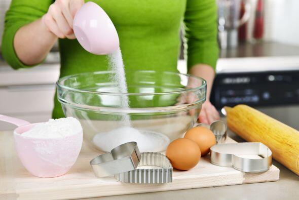 No uses una taza medidora para líquidos, para calcular azúcar o harina.