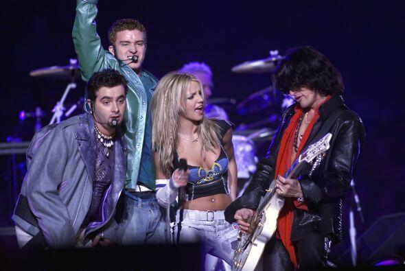 Durante el Super Bowl XXXV Britney Spears se presentó en el medio tiempo...
