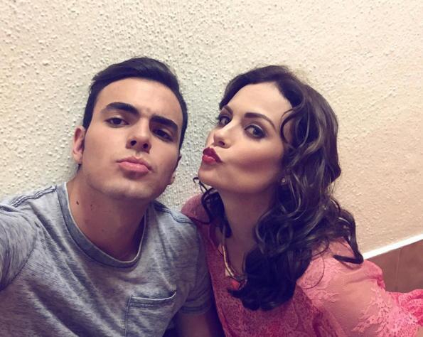 Adriano Zendejas y Laura Carmine
