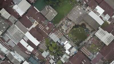 Las extrañas canchas de fútbol en Bangkok