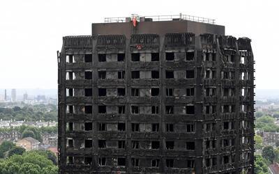 Autoridades de Londres afirman que sube a 30 el número de muertos y se e...