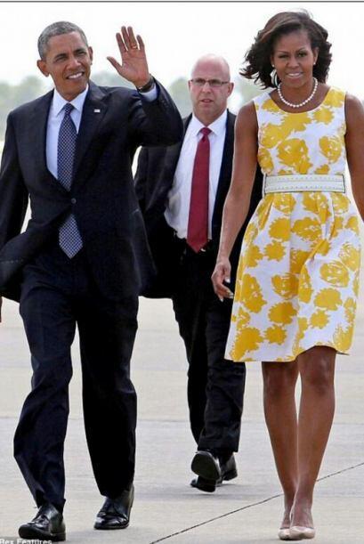 El hermoso tono de piel que posee Michelle Obama le ayuda muchísimo a lu...