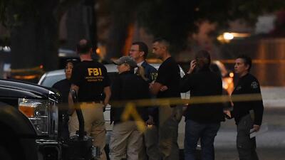 Agentes del FBI y policías locales trabajaron en conjunto en esta...