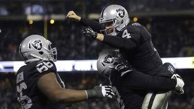 Raiders 23-20 Chargers (TE): Feliz Navidad para Raiders en posible adiós...