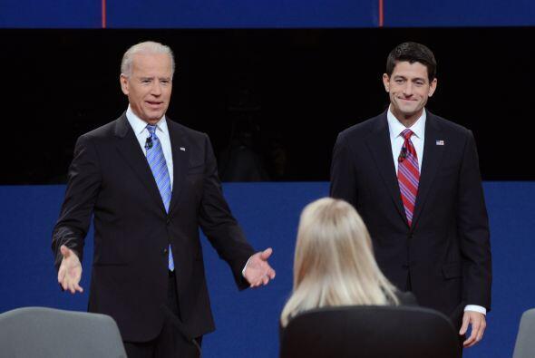 El vicepresidente Joe Biden y el candidato republicano a la vicepresiden...