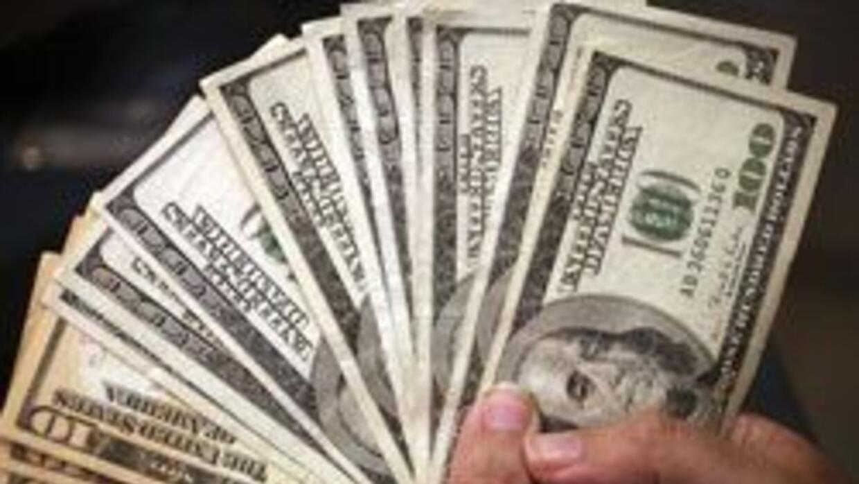 Detuvieron en NY a 32 personas que hicieron fraude a organizacion de asi...