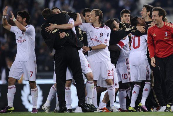 El resultado final fue empate 0 a 0. Milan festejó en la casa de la Roma.