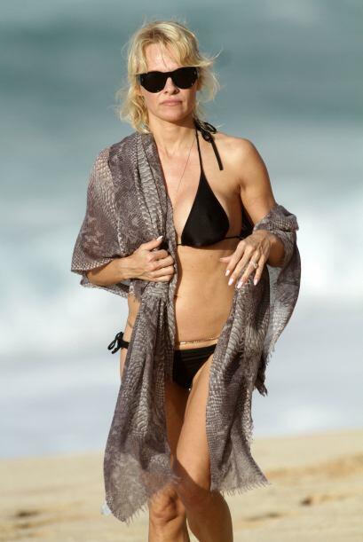 Pamela Anderson es otra celebridad que pasó Navidad cual bella si...