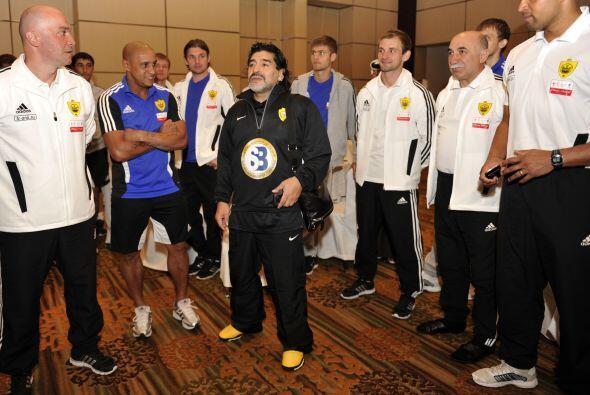 El viaje de Maradona a Italia sería una prueba para demostrarles a las a...