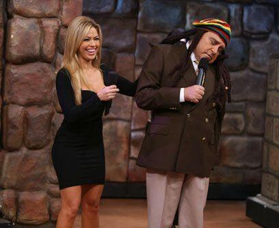 Un Don hippieDon Francisco le inyecta humor a cada personaje que se peri...