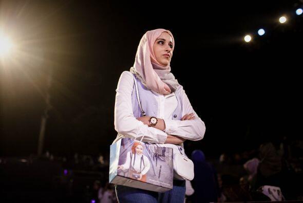 Aquí vemos a la ganadora, Ben Guefrache Fatma, durante los ensayos.
