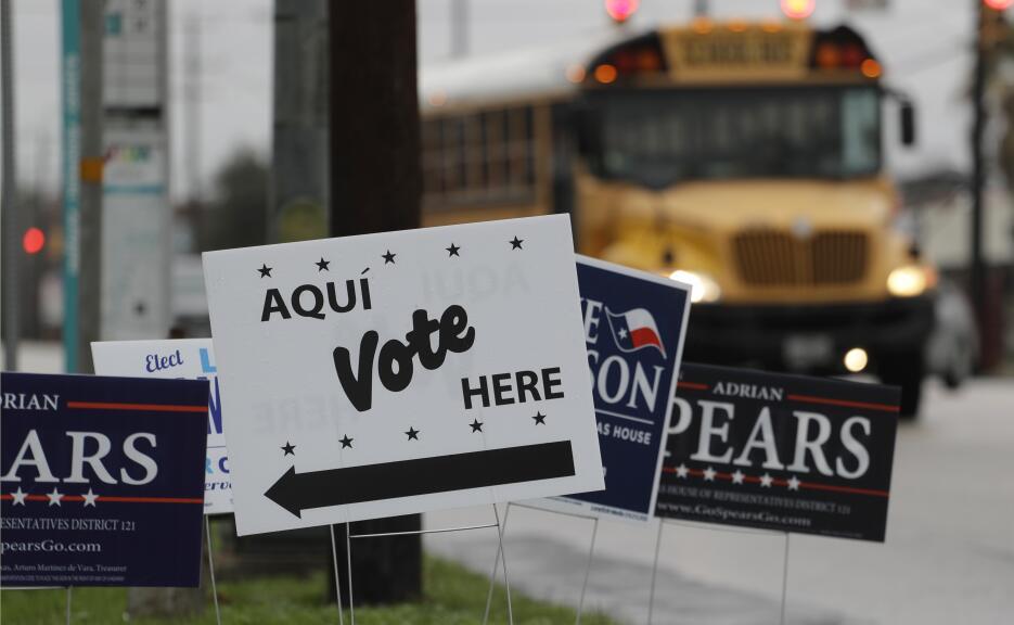 Texas celebra las primeras elecciones primarias del 2018 ap-180516658962...
