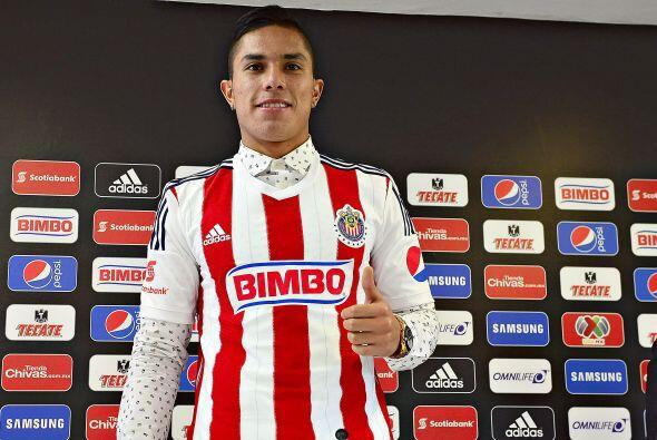 Carlos Salcedo, el defensor de Chivas espera ir ganando la titularidad c...