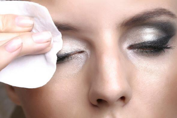 -El delineador y la mascara son los cosméticos más difíciles de remover...