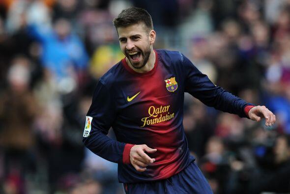 La línea defensiva inicia con el catalán Gerard Piqué.