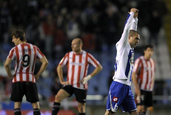 El brasileño Jaca hizo uno de los tres goles del Deportivo para quedarse...