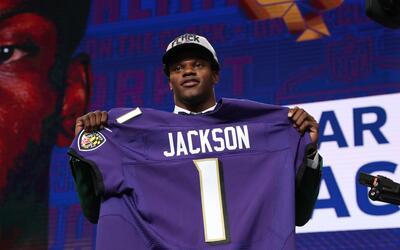 El quarterback Lamar Jackson es nuevo jugador de los Baltimore Ravens.