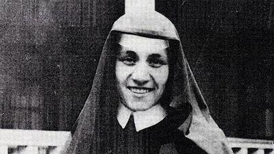 En fotos: De maestra a santa, la vida sacrificada de la Madre Teresa de Calcuta